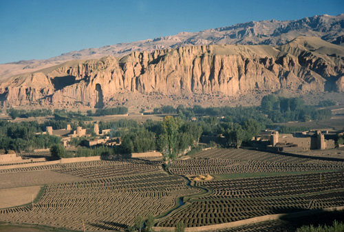 Afghanistan, Bamiyan, panorama and statue of Buddha in rock face