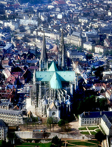 Aerial view from due east, showing cruciform shape, Chartres Cathedral, France