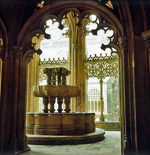 Batalha Abbey Church, begun 1386, completed circa 1517, fountain at north-west corner of cloister, central region, Portugal