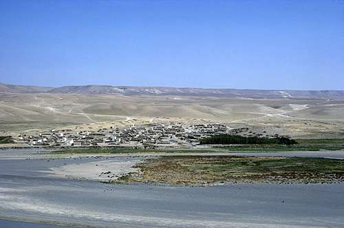 Syria, village on the banks of the River Euphrates at Jebel Khalid