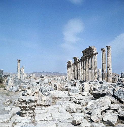 Syria, Apamea, Corinthian columns, 2nd century AD