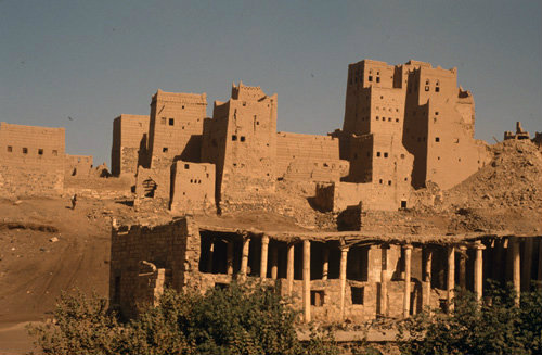 Yemen Marib ruined mosque with Himyaritic columns